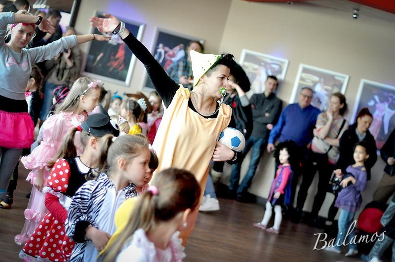studio-tanca-bailamos-bal-karnawalowy-dzieci-2014-019
