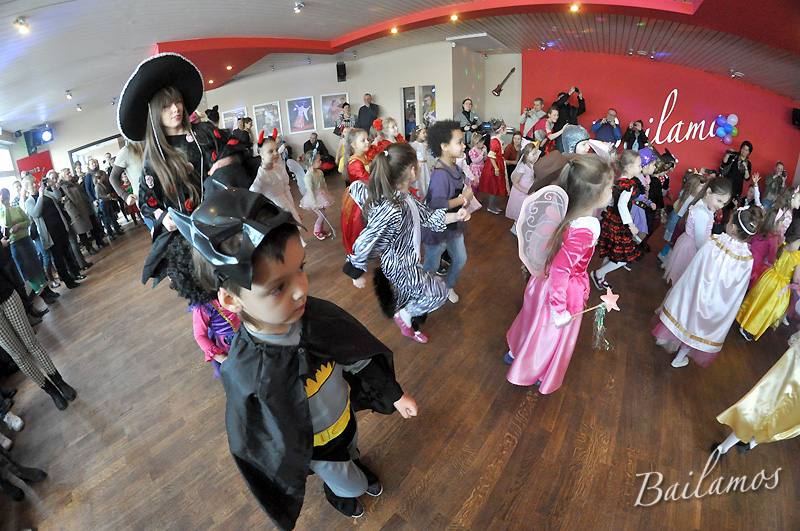studio-tanca-bailamos-bal-karnawalowy-dzieci-2014-025