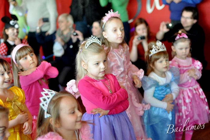 studio-tanca-bailamos-bal-karnawalowy-dzieci-2014-029