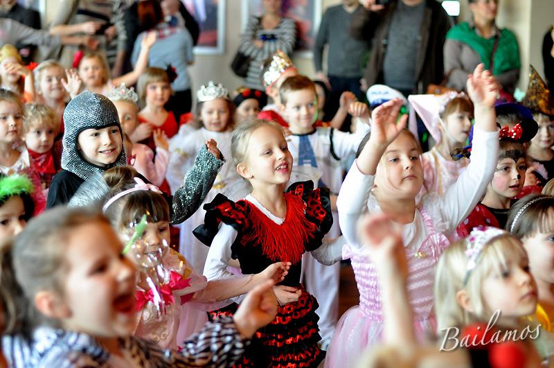 studio-tanca-bailamos-bal-karnawalowy-dzieci-2014-030
