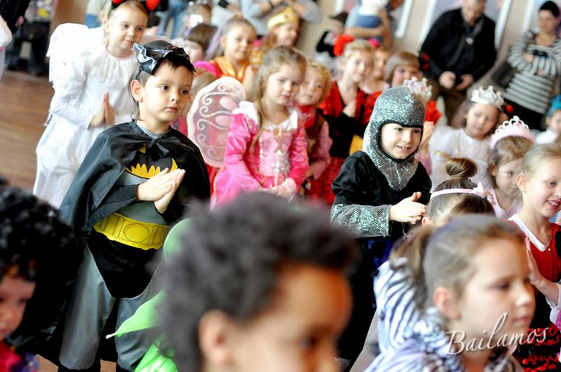 studio-tanca-bailamos-bal-karnawalowy-dzieci-2014-032