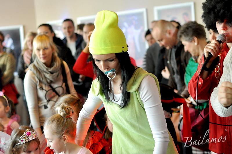 studio-tanca-bailamos-bal-karnawalowy-dzieci-2014-039