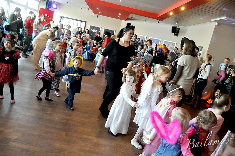 studio-tanca-bailamos-bal-karnawalowy-dzieci-2014-061