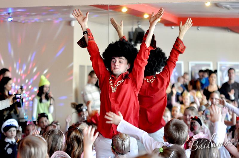 studio-tanca-bailamos-bal-karnawalowy-dzieci-2014-071
