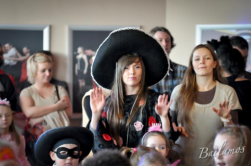 studio-tanca-bailamos-bal-karnawalowy-dzieci-2014-073