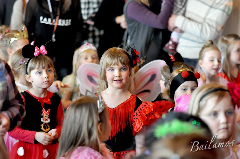 studio-tanca-bailamos-bal-karnawalowy-dzieci-2014-075