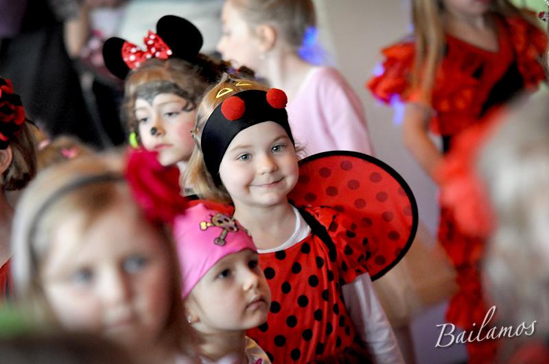studio-tanca-bailamos-bal-karnawalowy-dzieci-2014-081