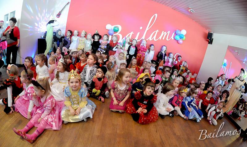 studio-tanca-bailamos-bal-karnawalowy-dzieci-2014-089